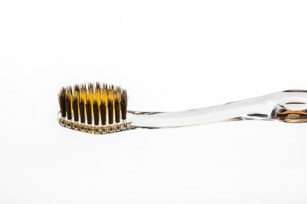 Nano-B Guld   Aktivt Kol Tandborste  f4e46d8557ff5